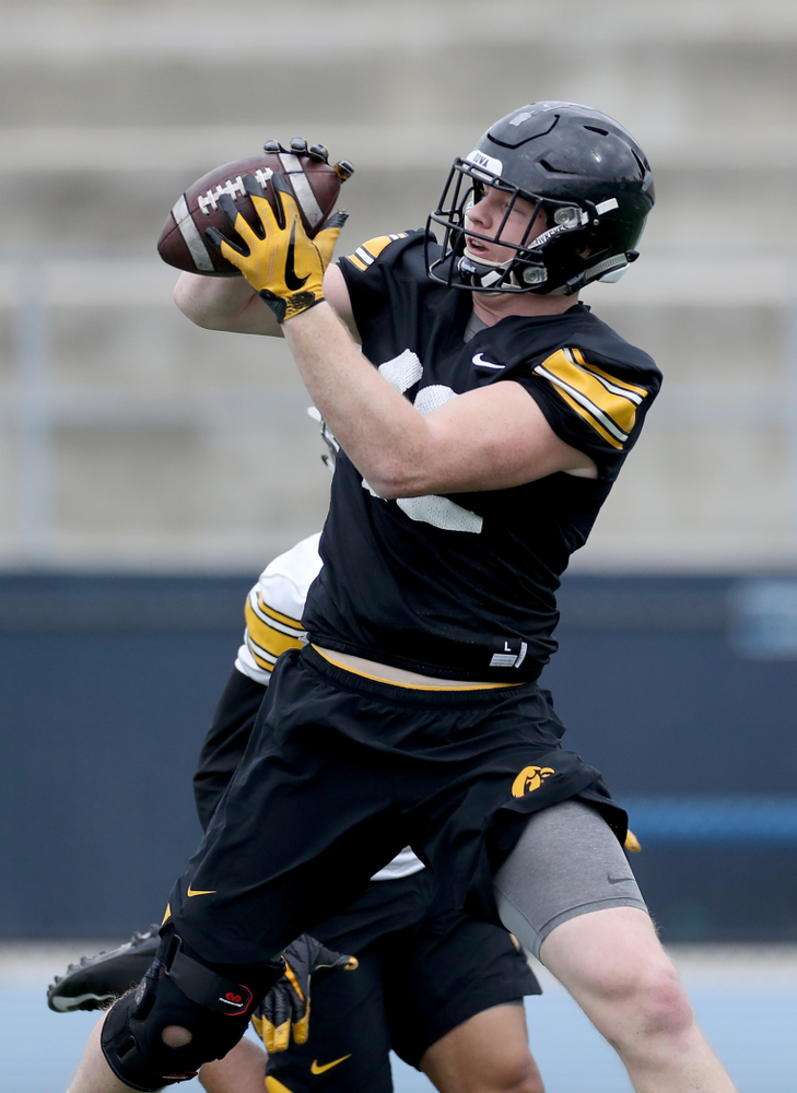Iowa Hawkeyes tight end Shaun Beyer (42) during practice Sunday, December 22, 2019 at Mesa College in San Diego. (Brian Ray/hawkeyesports.com)