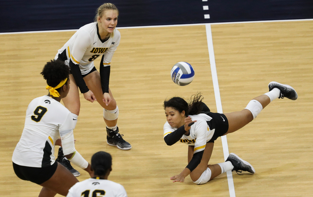 Iowa Hawkeyes setter Brie Orr (7) digs the ball during a match against Rutgers at Carver-Hawkeye Arena on November 2, 2018. (Tork Mason/hawkeyesports.com)