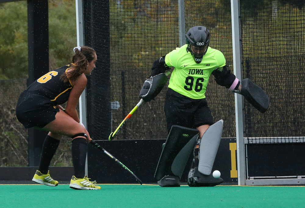 Iowa Hawkeyes goalkeeper Leslie Speight (96) makes a save during a game against Michigan at Grant Field on October 5, 2018. (Tork Mason/hawkeyesports.com)