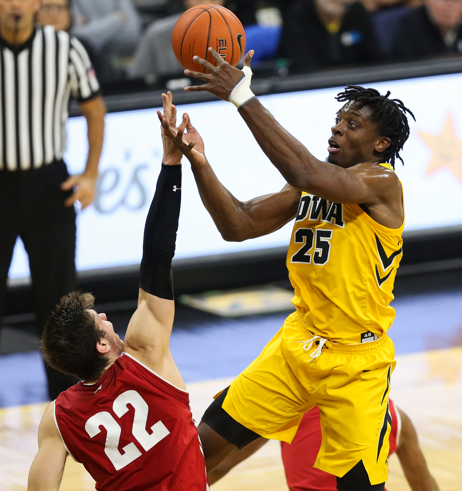 Iowa Hawkeyes forward Tyler Cook (25) goes up for a shot against Wisconsin on November 30, 2018 at Carver-Hawkeye Arena. (Tork Mason/hawkeyesports.com)