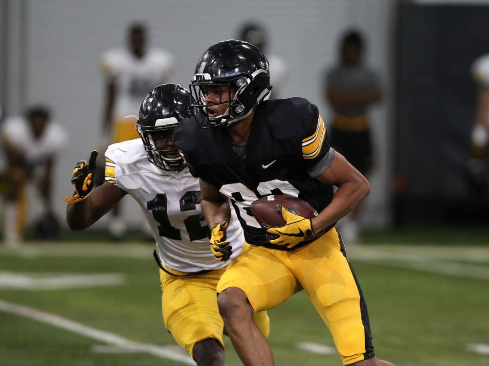 Iowa Hawkeyes wide receiver Calvin Lockett (82) during preparation for the 2019 Outback Bowl Wednesday, December 19, 2018 at the Hansen Football Performance Center. (Brian Ray/hawkeyesports.com)