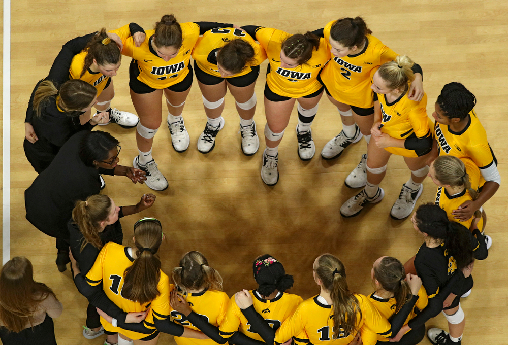Iowa head coach Vicki Brown talk with her team after their match at Carver-Hawkeye Arena in Iowa City on Friday, Nov 29, 2019. (Stephen Mally/hawkeyesports.com)