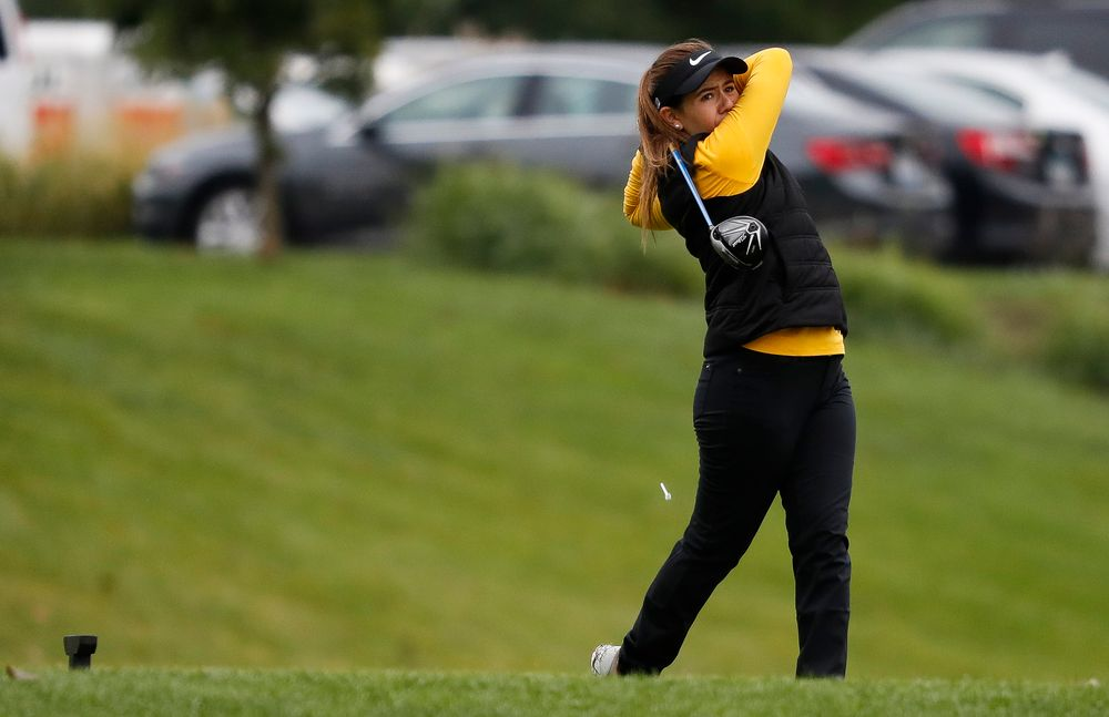 Iowa's Manuela Lizarazu tees off during the Diane Thomason Invitational at Finkbine Golf Course on September 29, 2018. (Tork Mason/hawkeyesports.com)