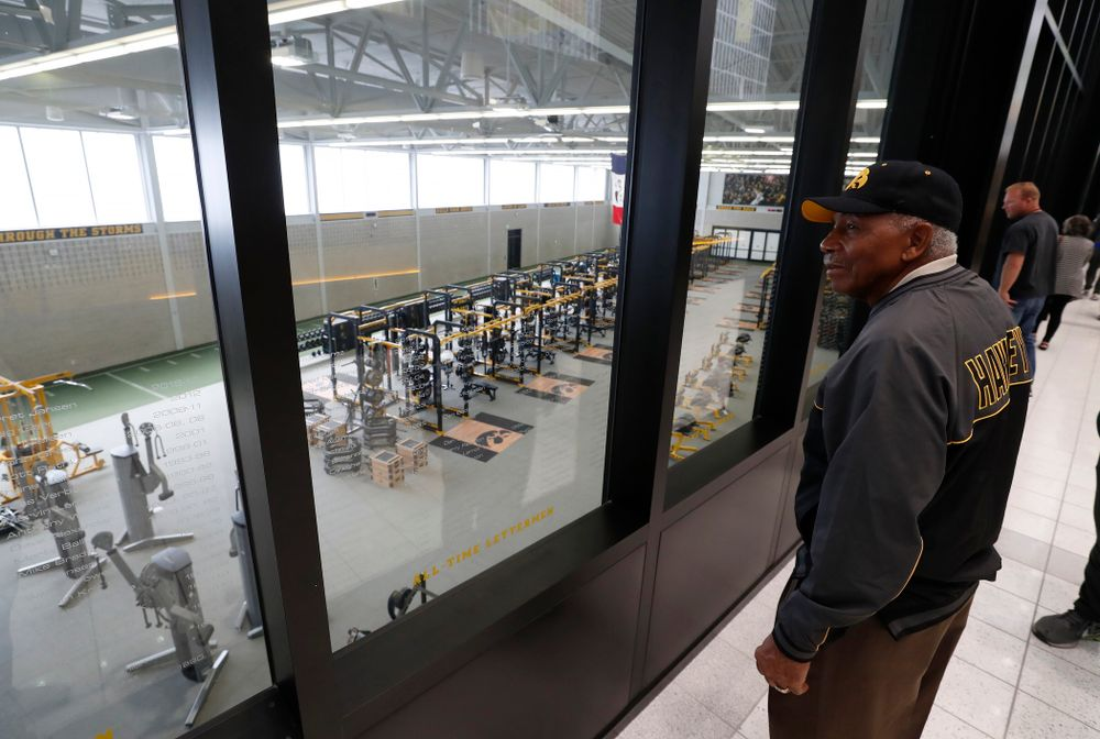 1958 National Championship Team running back Willie Fleming looks over the weight room as they tour the Hansen Football Performance  Center  Friday, September 21, 2018. (Brian Ray/hawkeyesports.com)