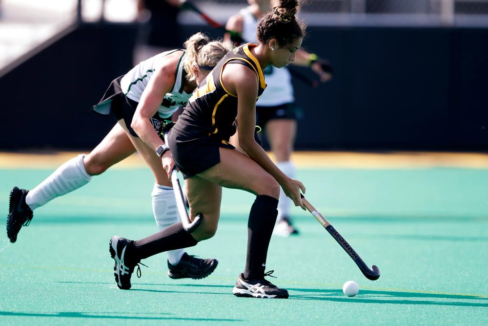 Iowa Hawkeyes Ciara Smith (17) against Dartmouth Friday, August 31, 2018 at Grant Field.  (Brian Ray/hawkeyesports.com)