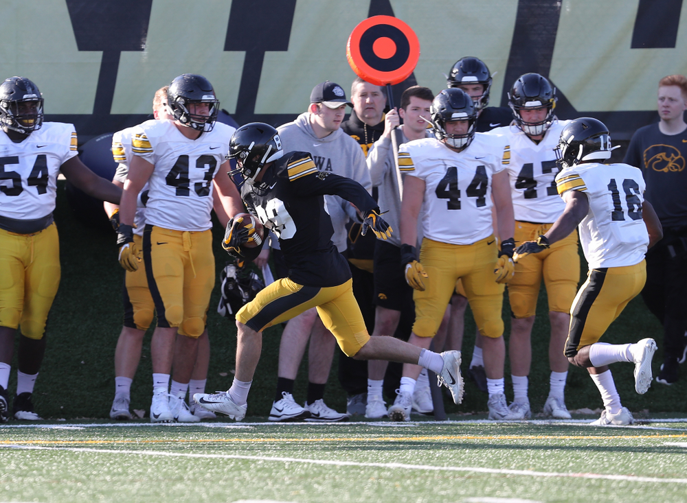 Iowa Hawkeyes wide receiver Nico Ragaini (89) during the teamÕs final spring practice Friday, April 26, 2019 at the Kenyon Football Practice Facility. (Brian Ray/hawkeyesports.com)
