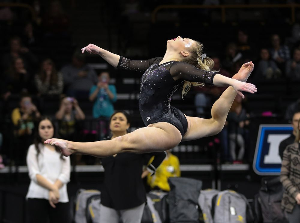 Iowa's Charlotte Sullivan competes on the floor against Illinois Saturday, February 16, 2019 at Carver-Hawkeye Arena. (Brian Ray/hawkeyesports.com)