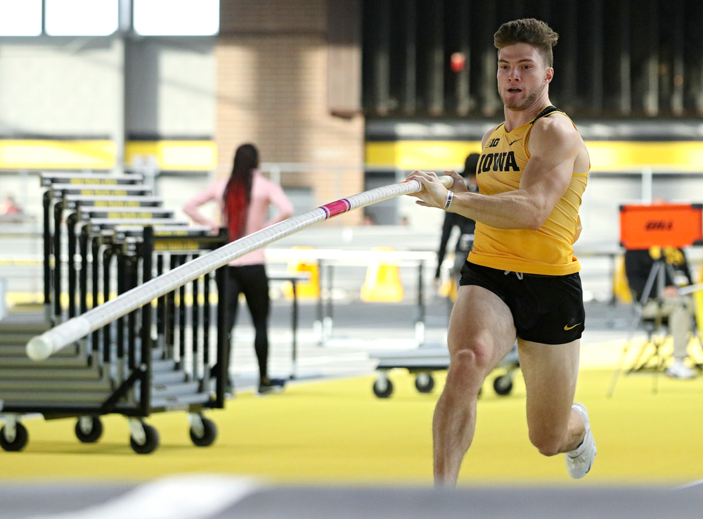 Iowa's Peyton Haack competes in the men's pole vault event during the Larry Wieczorek Invitational at the Recreation Building in Iowa City on Saturday, January 18, 2020. (Stephen Mally/hawkeyesports.com)