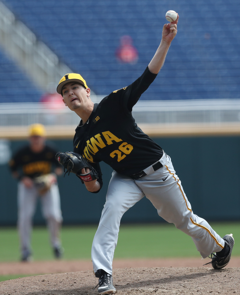 Iowa Hawkeyes Adam Ketelsen (26) against the Nebraska Cornhuskers in the first round of the Big Ten Baseball Tournament Friday, May 24, 2019 at TD Ameritrade Park in Omaha, Neb. (Brian Ray/hawkeyesports.com)
