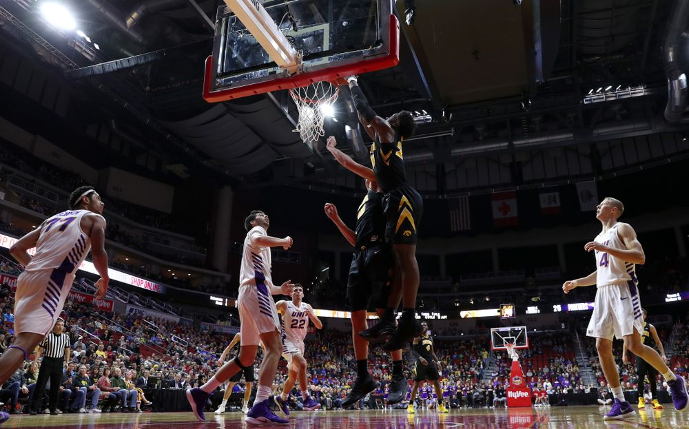 Iowa Hawkeyes forward Tyler Cook (25) scores his 1,000th career point against the Northern Iowa Panthers in the Hy-Vee Classic Saturday, December 15, 2018 at Wells Fargo Arena in Des Moines. (Brian Ray/hawkeyesports.com)