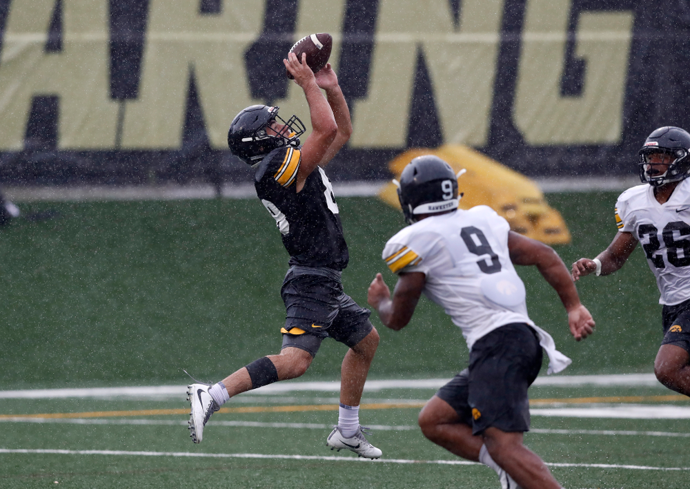 Iowa Hawkeyes wide receiver Nico Ragaini (89) during camp practice No. 15  Monday, August 20, 2018 at the Hansen Football Performance Center. (Brian Ray/hawkeyesports.com)