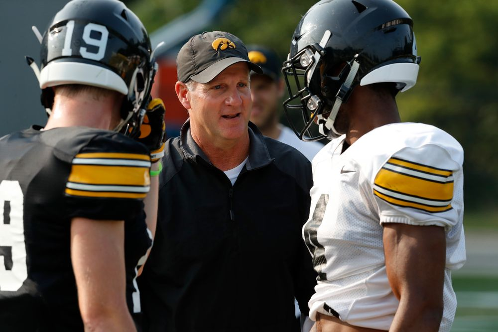 Iowa Hawkeyes defensive coordinator Phil Parker during camp practice No. 16 Tuesday, August 21, 2018 at the Hansen Football Performance Center. (Brian Ray/hawkeyesports.com)