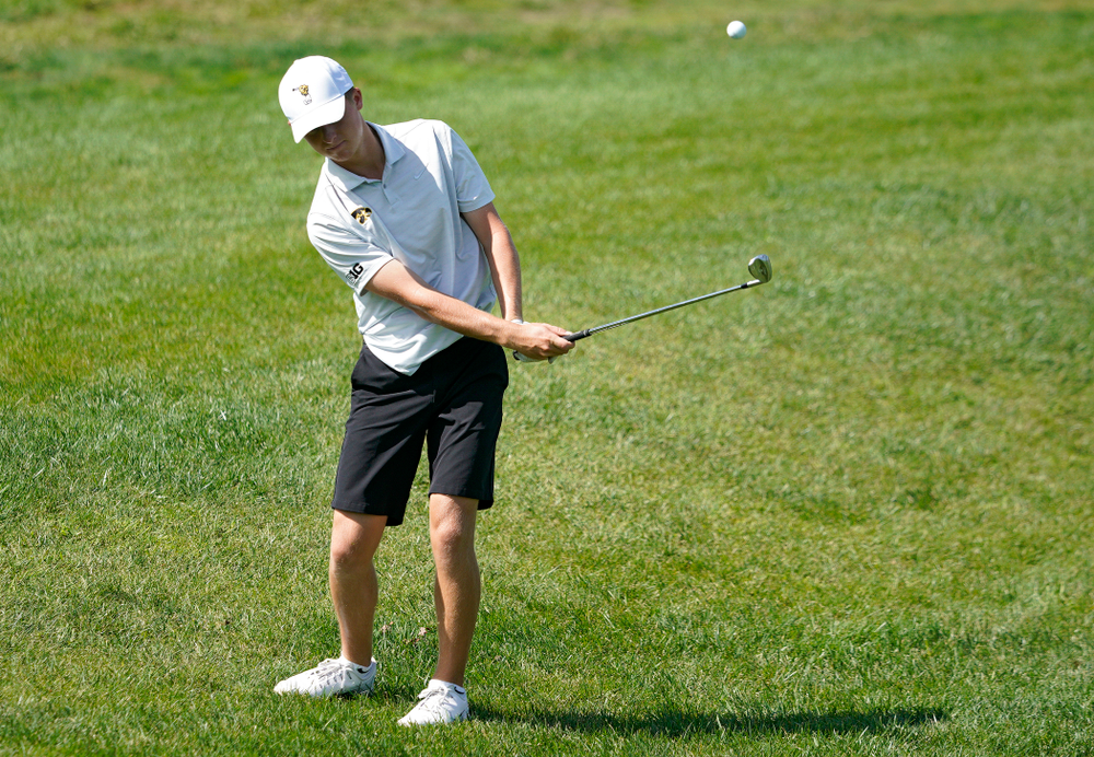 Iowa's Benton Weinberg chips onto the green during the second day of the Golfweek Conference Challenge at the Cedar Rapids Country Club in Cedar Rapids on Monday, Sep 16, 2019. (Stephen Mally/hawkeyesports.com)