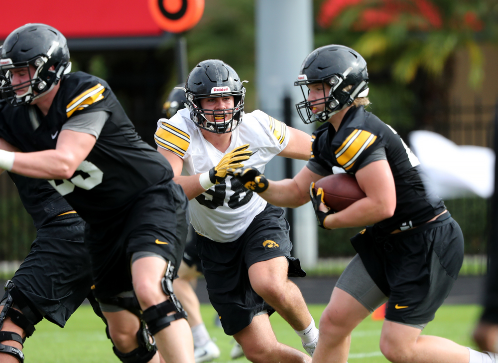 Iowa Hawkeyes defensive end Anthony Nelson (98) during practice for the 2019 Outback Bowl Friday, December 28, 2018 at the University of Tampa. (Brian Ray/hawkeyesports.com)