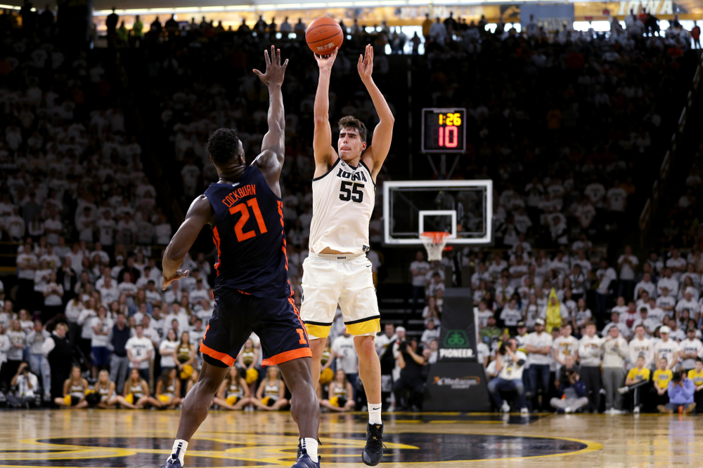 Iowa Hawkeyes forward Luka Garza (55) pulls up for a three point basket against the Illinois Fighting Illini Sunday, February 2, 2020 at Carver-Hawkeye Arena. (Brian Ray/hawkeyesports.com)
