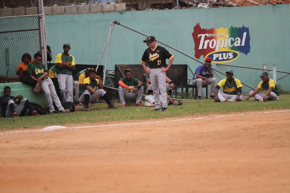 Rick Heller Iowa 9, Dominican Army National Team 4 Nov. 20, 2016 Photo: James Allan