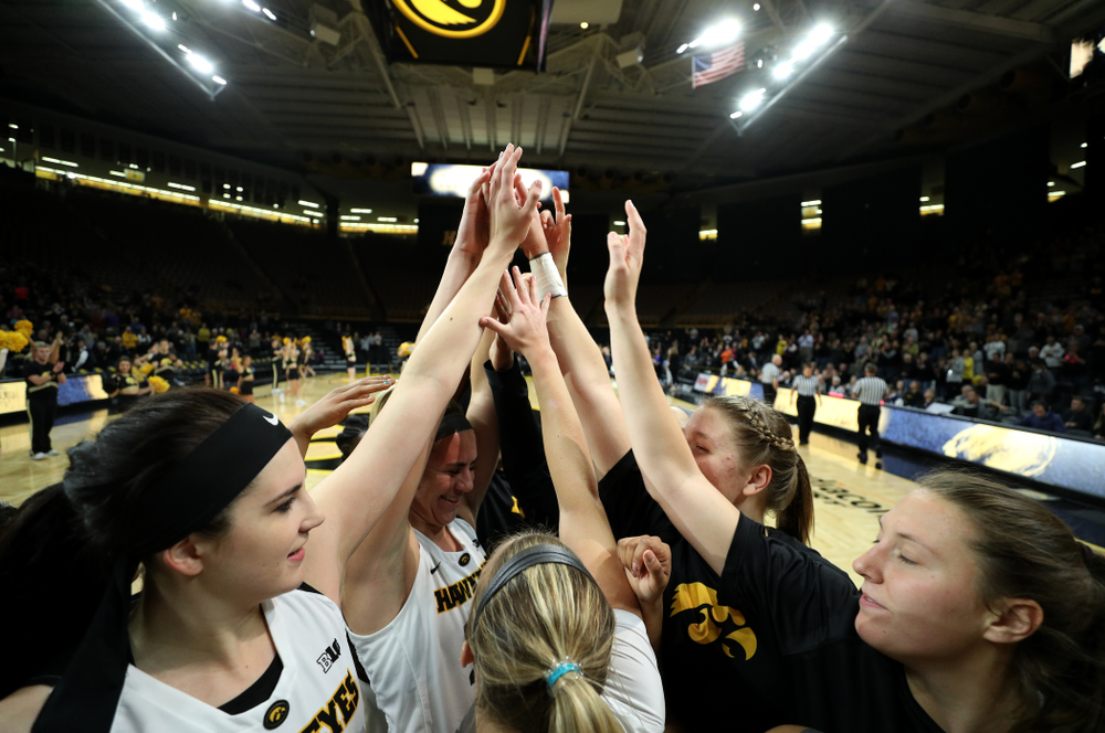 The Iowa Hawkeyes against Dakota Wesleyan University Tuesday, November 6, 2018 at Carver-Hawkeye Arena. (Brian Ray/hawkeyesports.com)