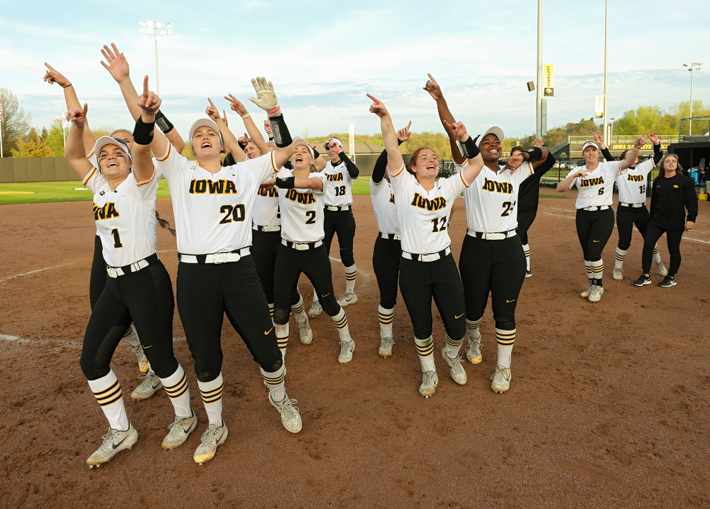 The Iowa Hawkeyes thank their fans after winning their game against Ohio State at Pearl Field in Iowa City on Friday, May. 3, 2019. (Stephen Mally/hawkeyesports.com)