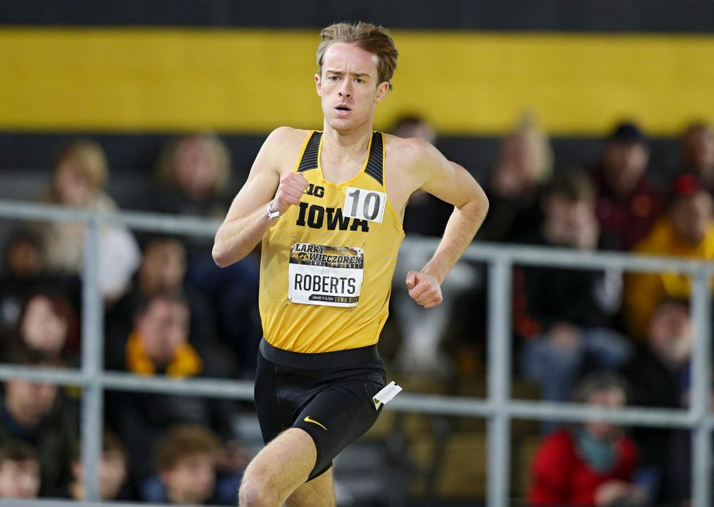Iowa's Jeff Roberts runs the men's 1 mile run event during the Larry Wieczorek Invitational at the Recreation Building in Iowa City on Saturday, January 18, 2020. (Stephen Mally/hawkeyesports.com)