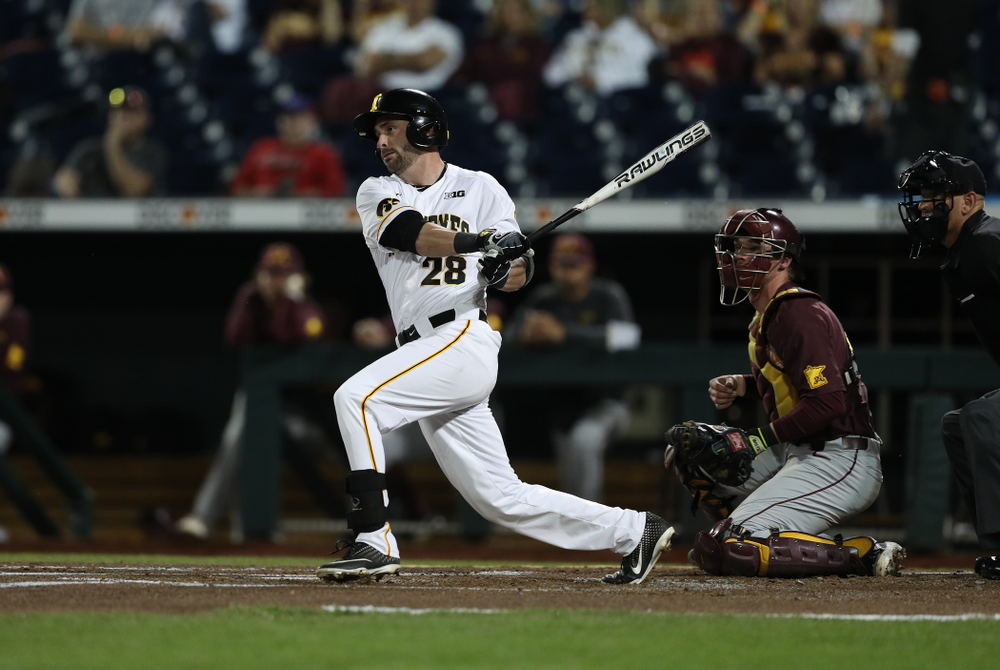 Iowa Hawkeyes Chris Whelan (28) against the Minnesota Golden Gophers in the  Big Ten Baseball Tournament Friday, May 24, 2019 at TD Ameritrade Park in Omaha, Neb. (Brian Ray/hawkeyesports.com)