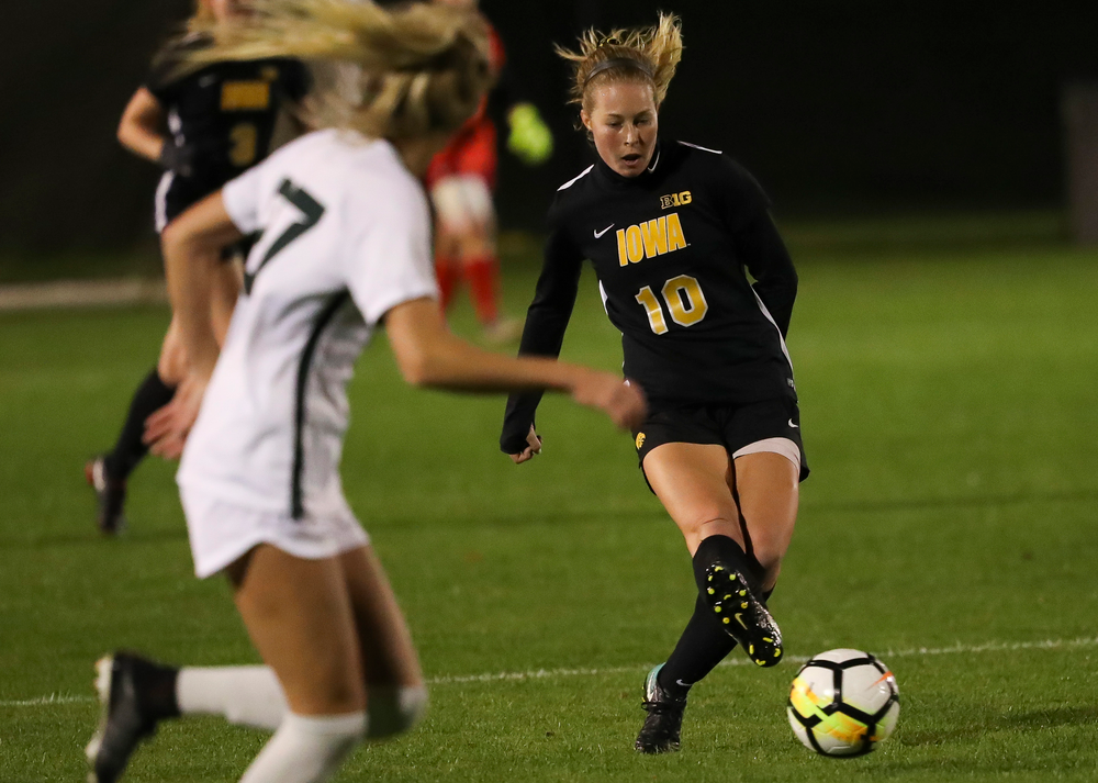 Iowa Hawkeyes midfielder Natalie Winters (10) passes the ball during a game against Michigan State at the Iowa Soccer Complex on October 12, 2018. (Tork Mason/hawkeyesports.com)