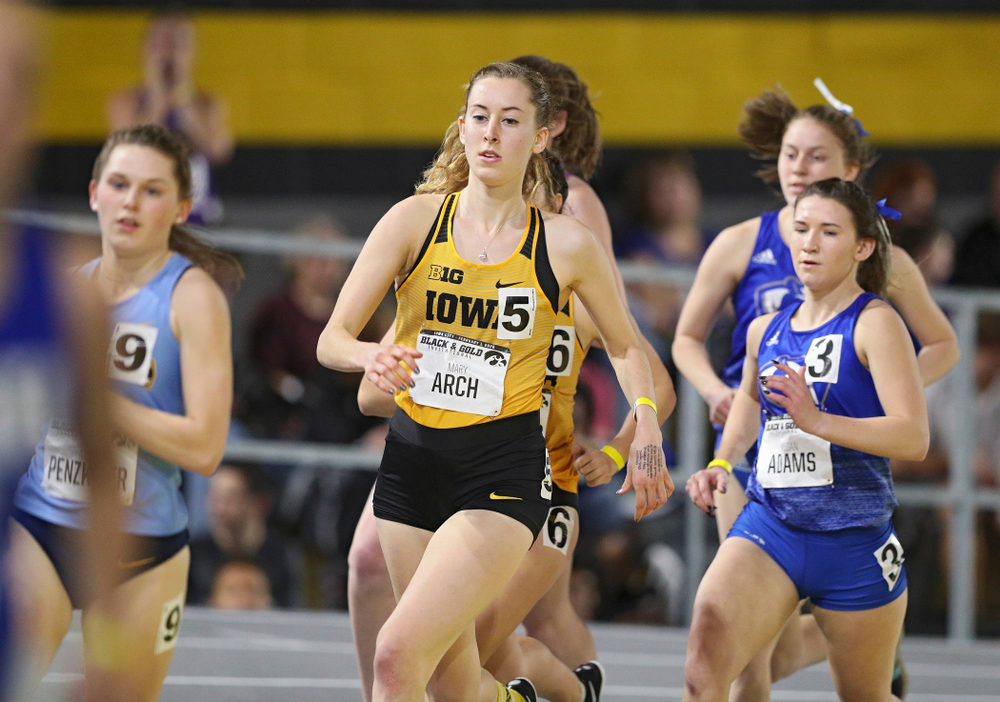 Iowa's Mary Arch runs the women's 1 mile run event at the Black and Gold Invite at the Recreation Building in Iowa City on Saturday, February 1, 2020. (Stephen Mally/hawkeyesports.com)
