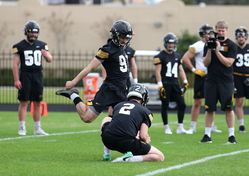Iowa Hawkeyes place kicker Miguel Recinos (91) kicks a field goal during practice for the 2019 Outback Bowl Friday, December 28, 2018 at the University of Tampa. (Brian Ray/hawkeyesports.com)