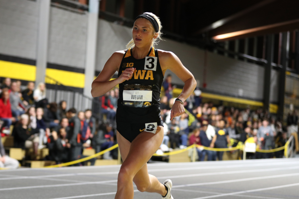 Iowa's Aly Weum runs the 600 meter premier during the 2019 Larry Wieczorek Invitational Friday, January 18, 2019 at the Hawkeye Tennis and Recreation Center. (Brian Ray/hawkeyesports.com)