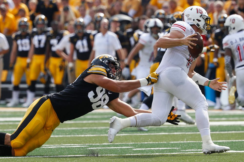 Iowa Hawkeyes defensive end Anthony Nelson (98)