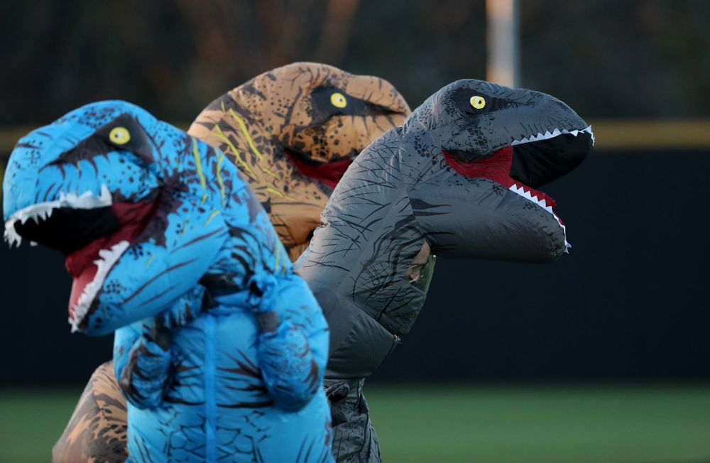 The dinosaur race during the Iowa Hawkeyes game against the Nebraska Cornhuskers on Military Appreciation Night Friday, April 19, 2019 at Duane Banks Field. (Brian Ray/hawkeyesports.com)