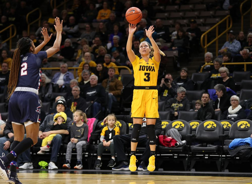 Iowa Hawkeyes guard Makenzie Meyer (3) against the Robert Morris Colonials Sunday, December 2, 2018 at Carver-Hawkeye Arena. (Brian Ray/hawkeyesports.com)
