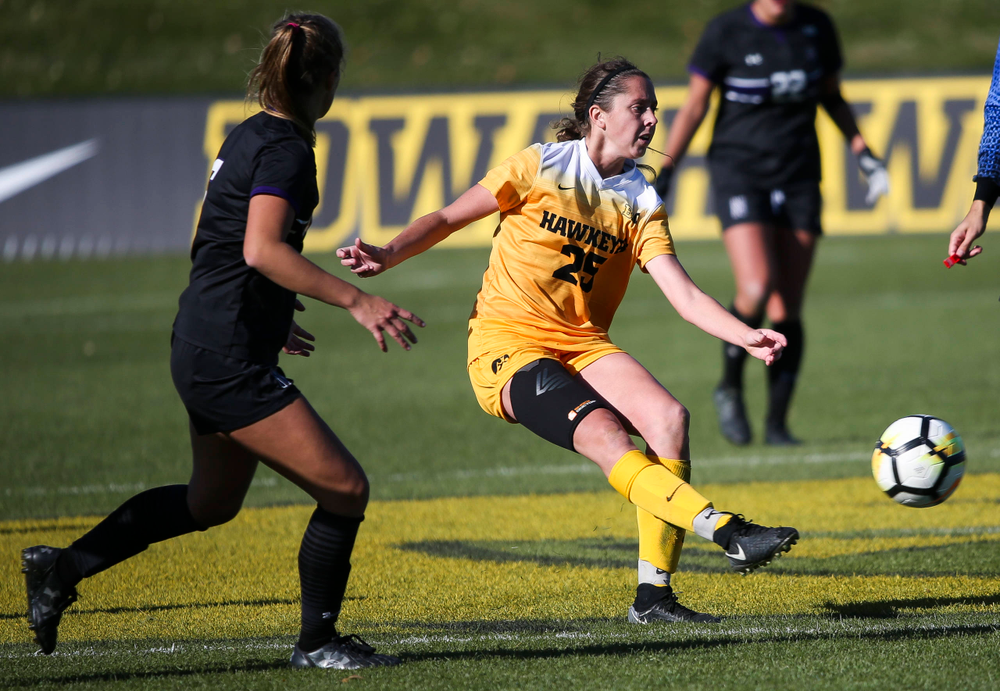 Iowa Hawkeyes midfielder Josie Durr (25) passes the ball during a game against Northwestern at the Iowa Soccer Complex on October 21, 2018. (Tork Mason/hawkeyesports.com)
