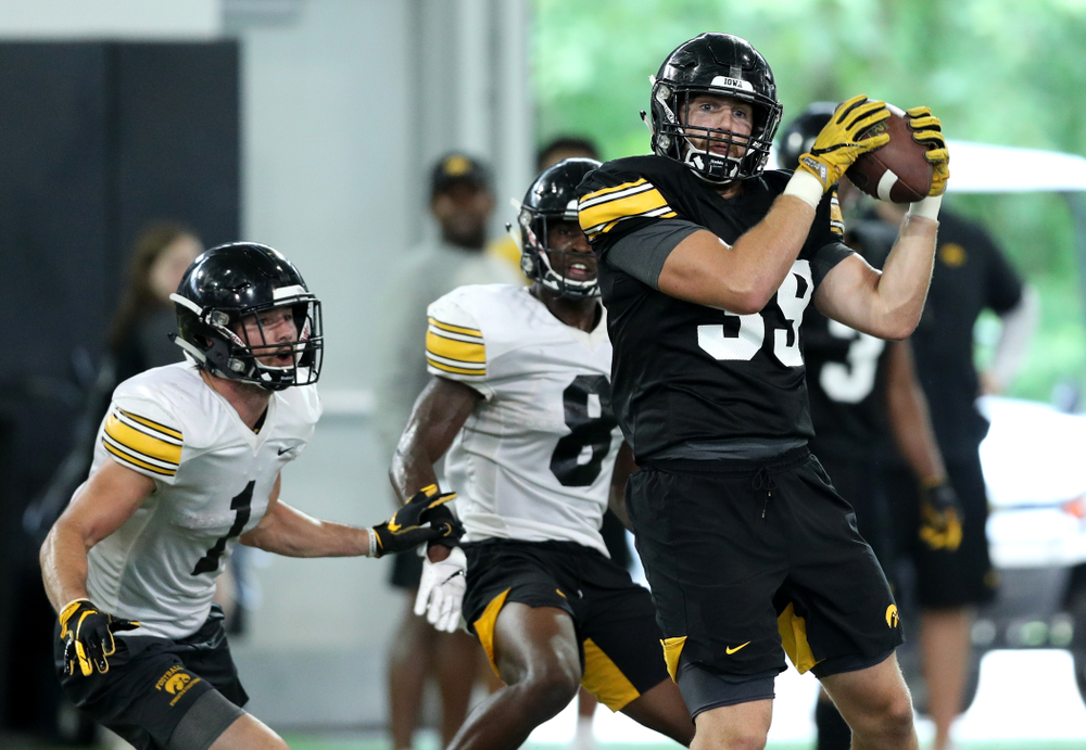 Iowa Hawkeyes tight end Nate Wieting (39) during Fall Camp Practice No. 16 Tuesday, August 20, 2019 at the Ronald D. and Margaret L. Kenyon Football Practice Facility. (Brian Ray/hawkeyesports.com)