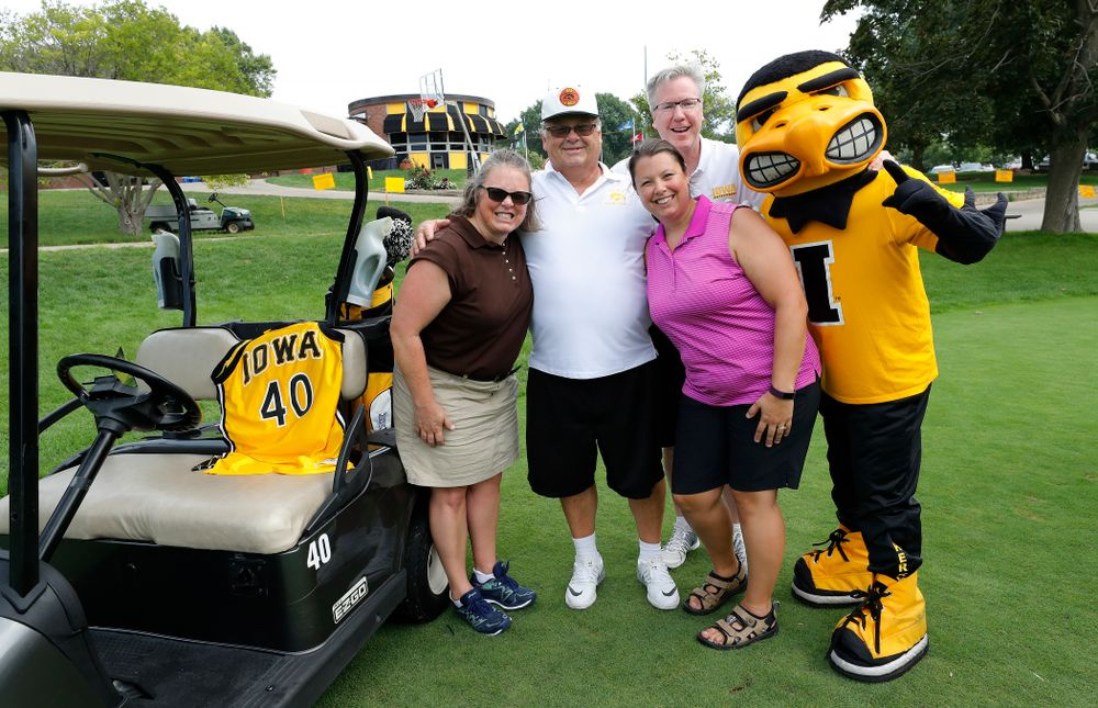 The Street Family with Fran McCaffery and Herky at the 2018 Chris Street Memorial Golf Outing Monday, August 27, 2018 at Finkbine Golf Course. (Brian Ray/hawkeyesports.com)