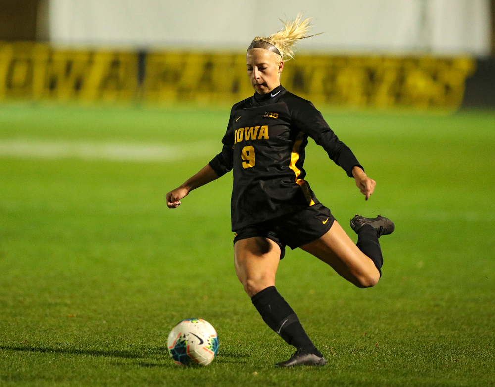 Iowa defender Samantha Cary (9) lines up a shot during the second half of their match at the Iowa Soccer Complex in Iowa City on Friday, Oct 11, 2019. (Stephen Mally/hawkeyesports.com)