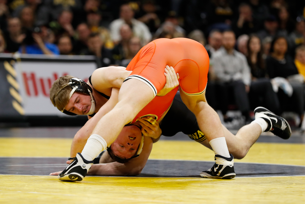 Iowa's Mitch Bowman Wrestles Oklahoma State's Keegan Moore at 184 pounds