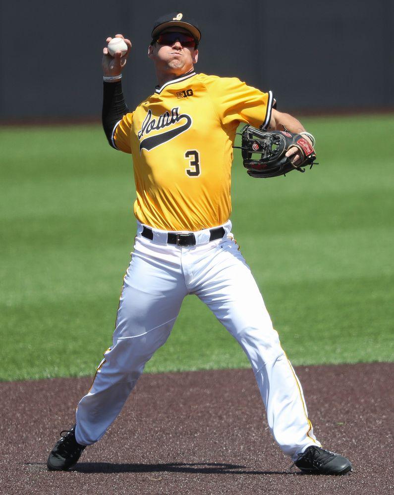 Iowa Hawkeyes infielder Matt Hoeg (3)