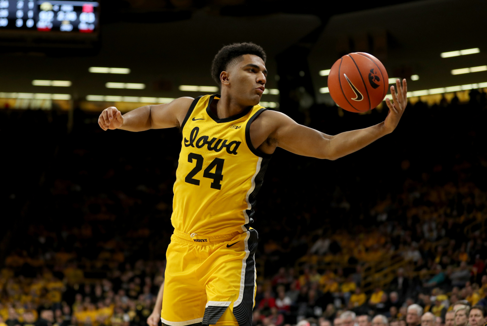 Iowa Hawkeyes guard Nicolas Hobbs (24) against the Nebraska Cornhuskers Saturday, February 8, 2020 at Carver-Hawkeye Arena. (Brian Ray/hawkeyesports.com)