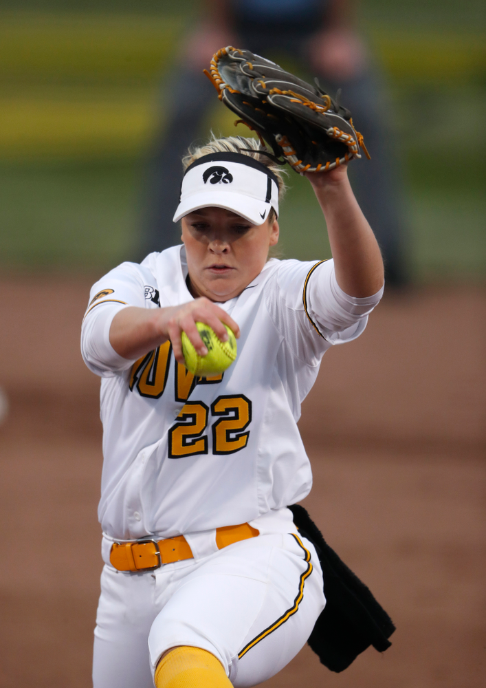 Iowa Hawkeyes starting pitcher/relief pitcher Kenzie Ihle (22) against the Minnesota Golden Gophers  Thursday, April 12, 2018 at Bob Pearl Field. (Brian Ray/hawkeyesports.com)