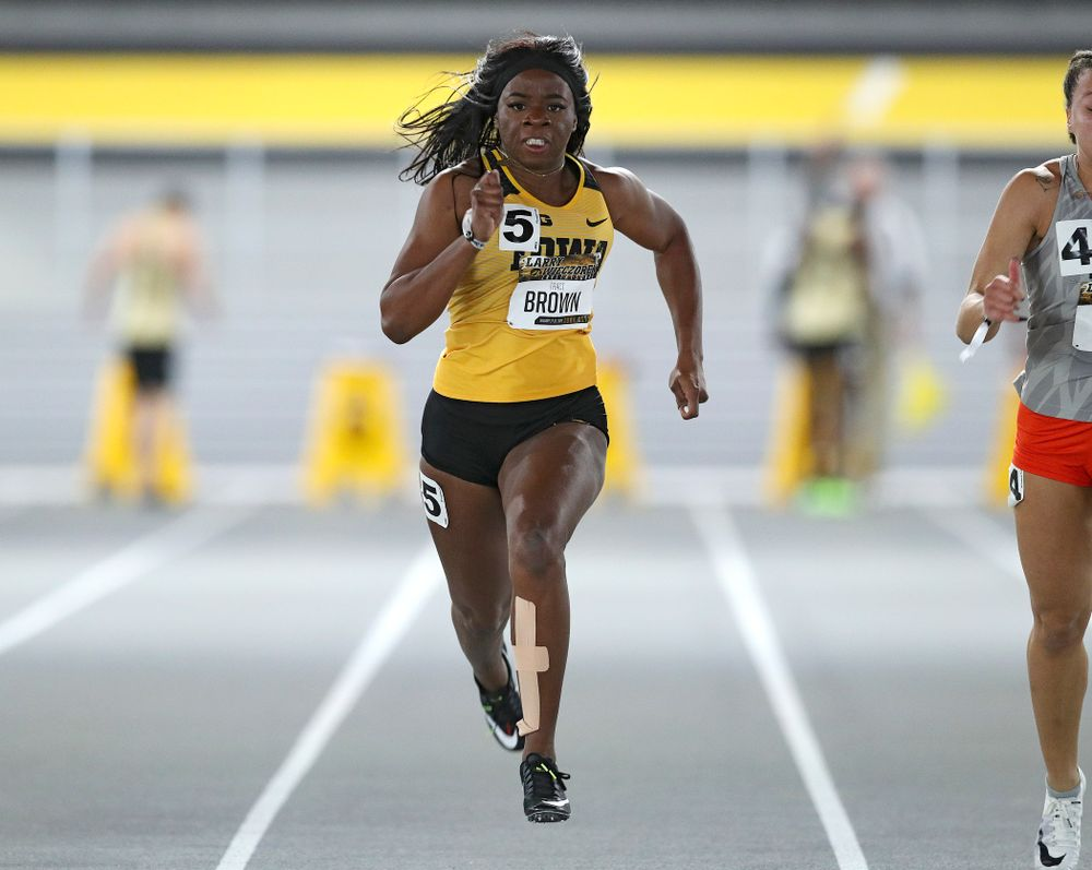 Iowa's Traci Brown runs the women's 60 meter dash premier preliminary event during the Larry Wieczorek Invitational at the Recreation Building in Iowa City on Saturday, January 18, 2020. (Stephen Mally/hawkeyesports.com)