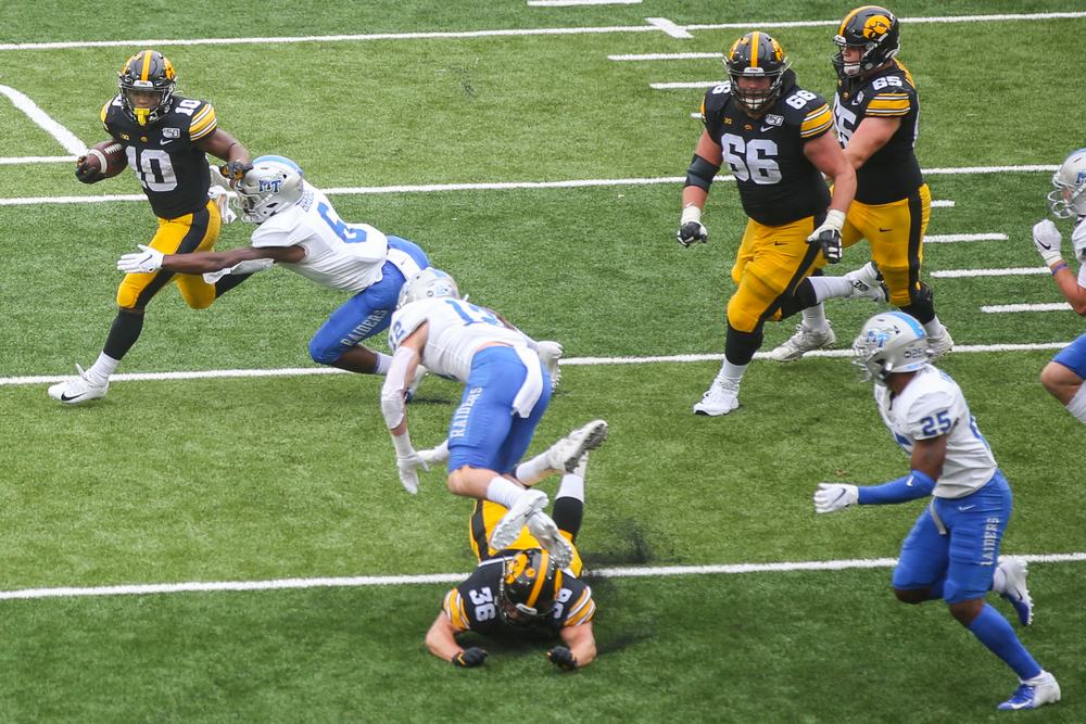 Iowa Hawkeyes running back Mekhi Sargent (10) against Middle Tennessee Saturday, September 28, 2019 at Kinnick Stadium. (Lily Smith/hawkeyesports.com)
