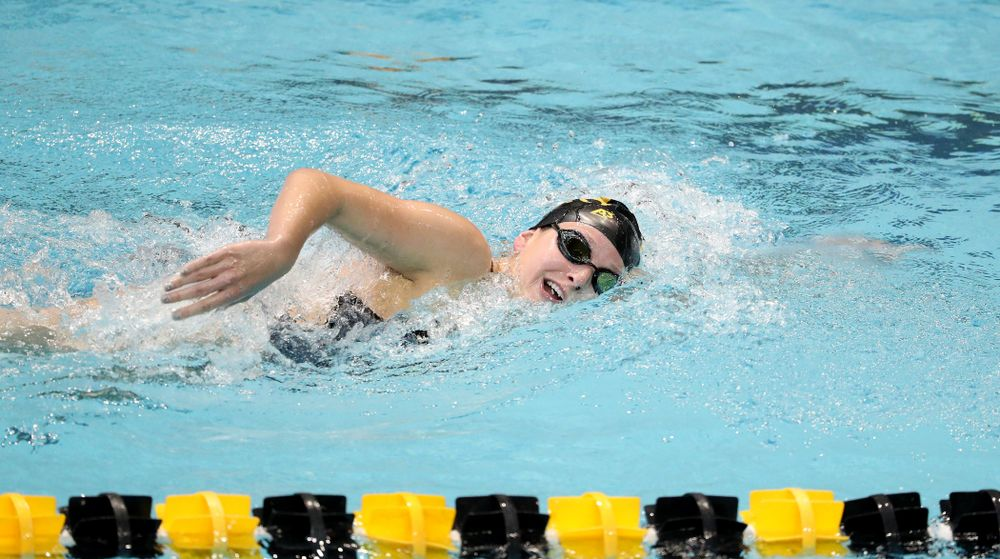 IowaÕs Taylor Hartley competes in the 1000-yard freestyle against Notre Dame and Illinois Saturday, January 11, 2020 at the Campus Recreation and Wellness Center.  (Brian Ray/hawkeyesports.com)