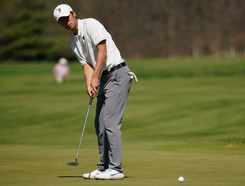 Iowa's Joe Kim putts during the second round of the Hawkeye Invitational at Finkbine Golf Course in Iowa City on Saturday, Apr. 20, 2019. (Stephen Mally/hawkeyesports.com)