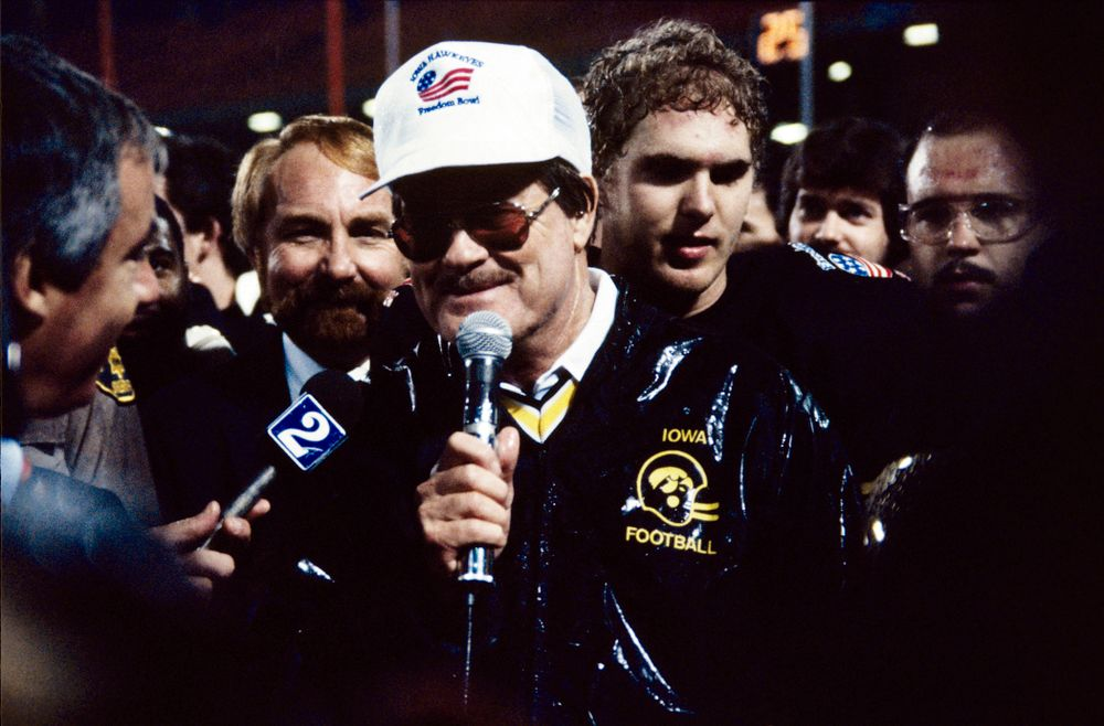 Historic Photos of Hayden Fry from 1984