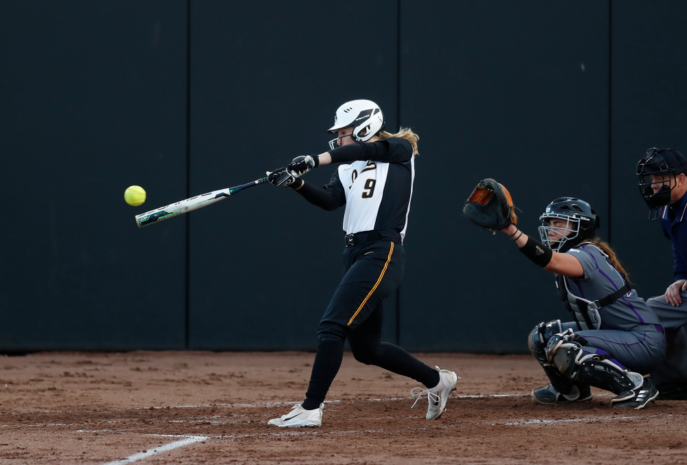 Iowa Hawkeyes infielder Sarah Kurtz (9) against Western Illinois Tuesday, April 17, 2018 at Bob Pearl Field. (Brian Ray/hawkeyesports.com)