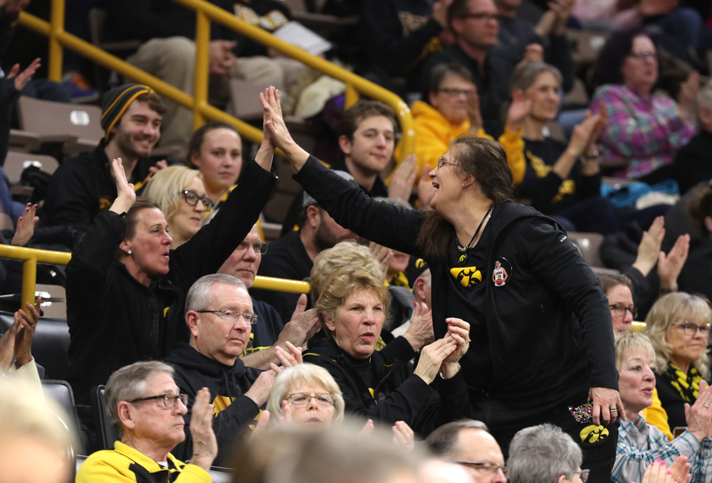Eva Gustafson against the Illinois Fighting Illini Thursday, February 14, 2019 at Carver-Hawkeye Arena. (Brian Ray/hawkeyesports.com)
