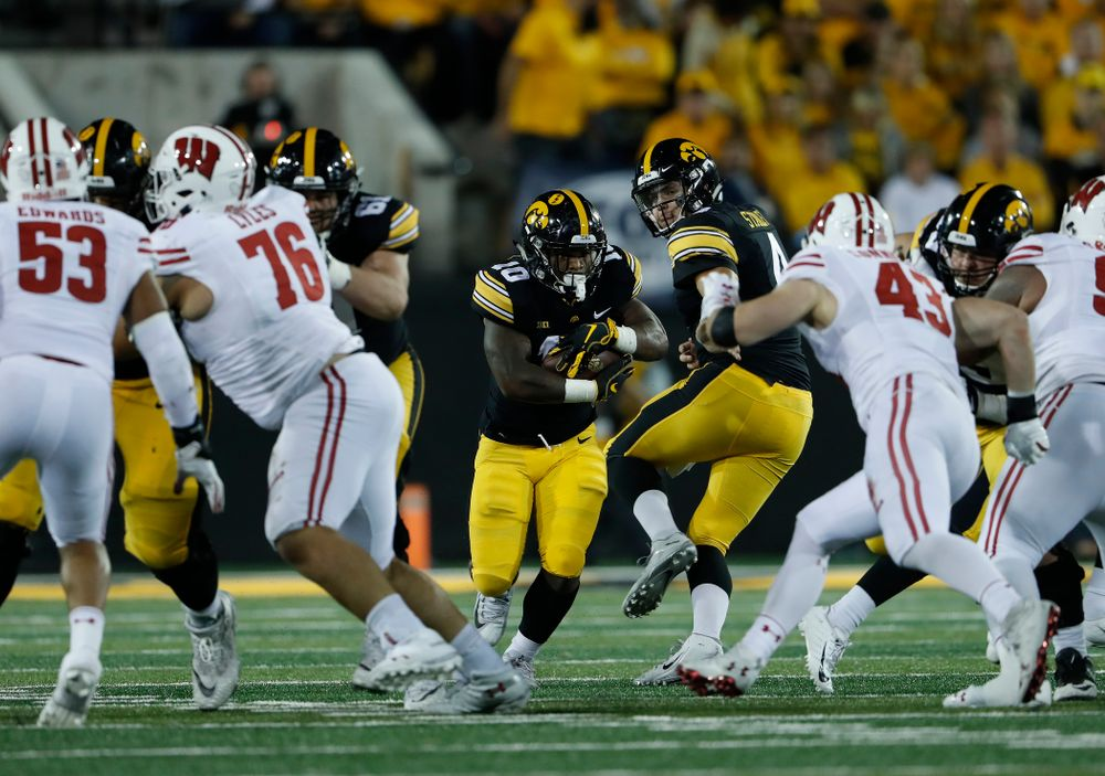 Iowa Hawkeyes running back Mekhi Sargent (10) against the Wisconsin Badgers Saturday, September 22, 2018 at Kinnick Stadium. (Brian Ray/hawkeyesports.com)