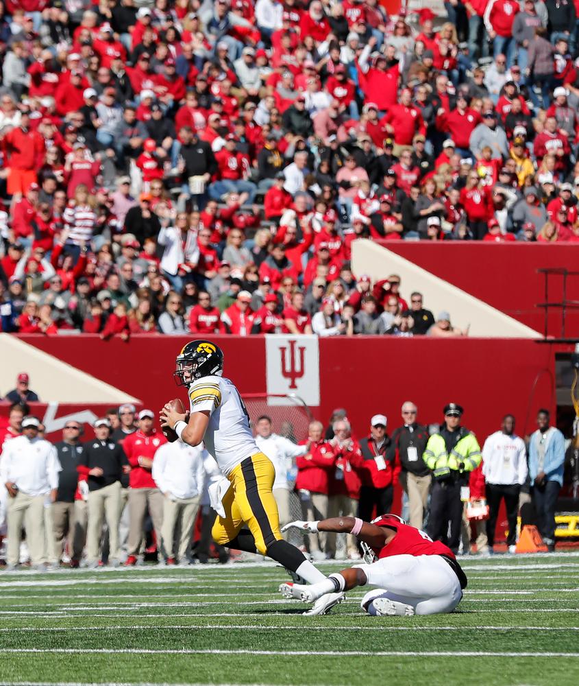 Iowa Hawkeyes quarterback Nate Stanley (4) against the Indiana Hoosiers Saturday, October 13, 2018 at Memorial Stadium, in Bloomington, Ind. (Brian Ray/hawkeyesports.com)