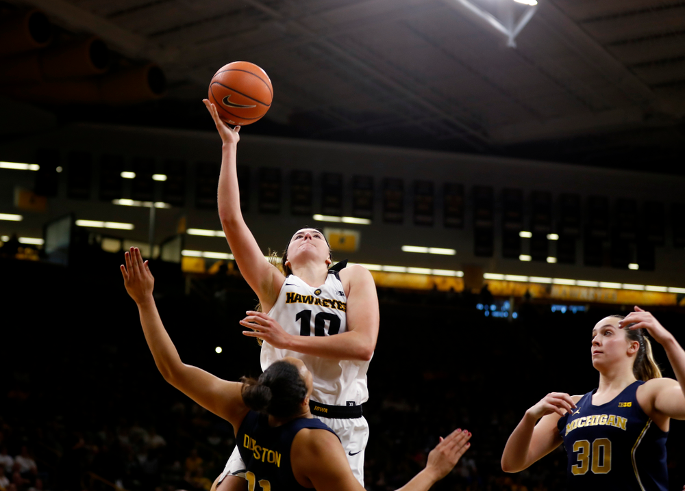 Iowa Hawkeyes forward Megan Gustafson (10