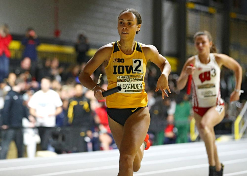Iowa's Anaya Alexander runs the women's 1600 meter relay premier event during the Larry Wieczorek Invitational at the Recreation Building in Iowa City on Saturday, January 18, 2020. (Stephen Mally/hawkeyesports.com)